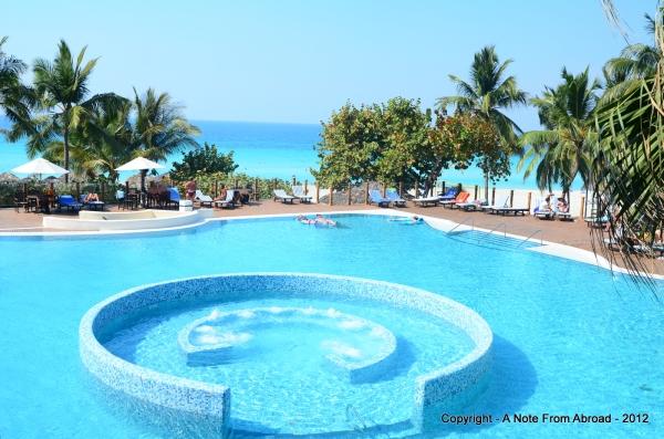 Melia Las Americas pool