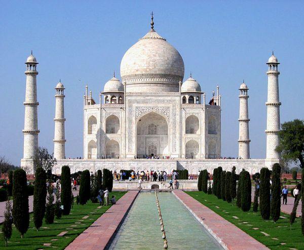 Taj Mahal (Wikepedia image)
