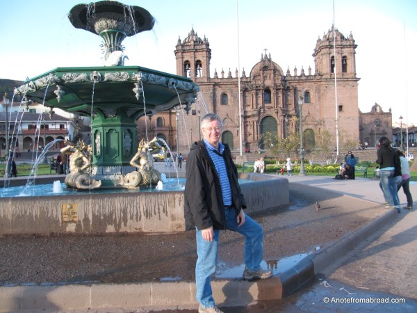 Tim by the fountain - Plaza de Armas