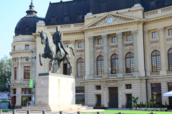 Library of the University of Bucharest with statue of King Carol I, Revolution Square