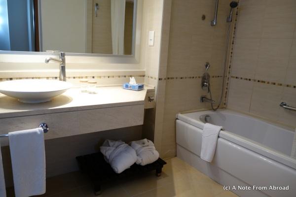 KoruMar bathroom