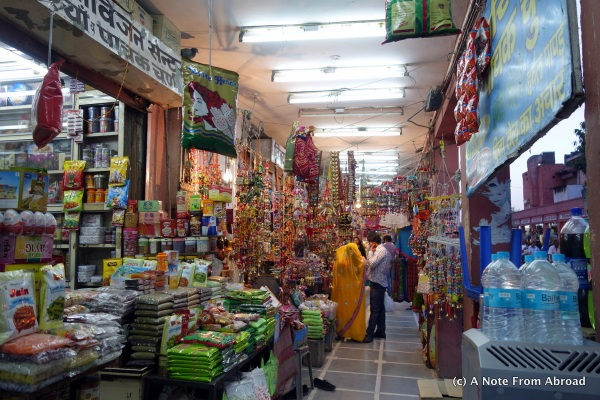 Walking through the bazaar in Jaipur