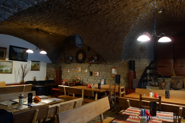 Cellar restaurant in a building dating back to 1476