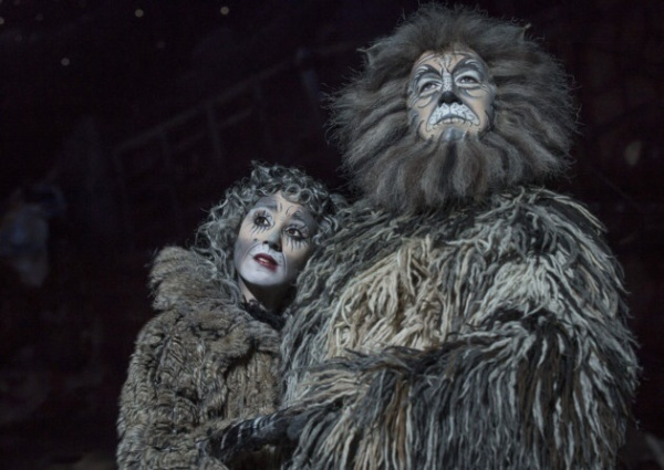 Sophia Ragavelas (Grizabella) and Nicholas Pound (Old Deuteronomy)  - Kentnews.co.uk
