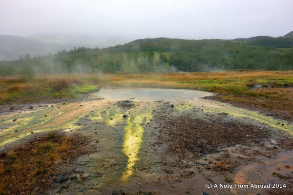 Colorful streams full of extremophiles