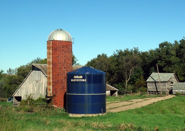 Barn and grain storage