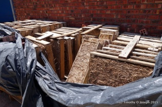 Pallets and straw for insulation