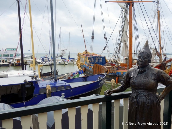 Volendam marina