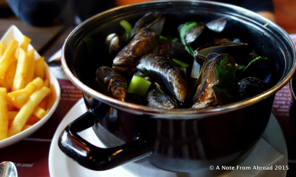 A wonderful bucket of fresh mussels