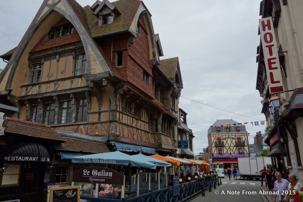 The town of Etretat
