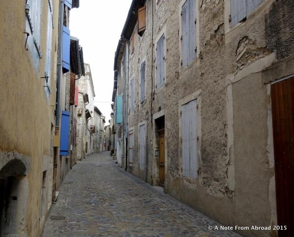 Viviers narrow cobblestone streets