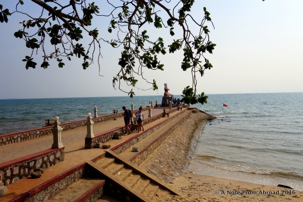 Waterfront of Kep with lady statue