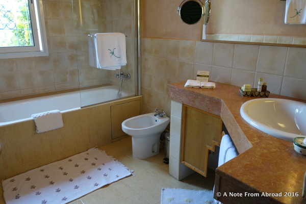 Bathroom at Villa Mandarine