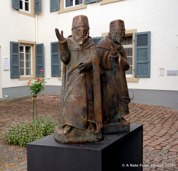 Statue in the Jewish courtyard