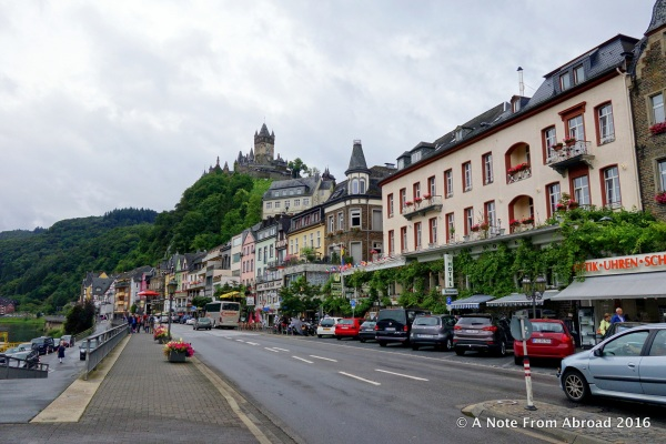 The town of Cochem is not very big