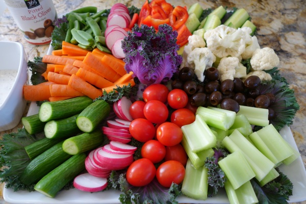 Healthy and yummy veggie platter